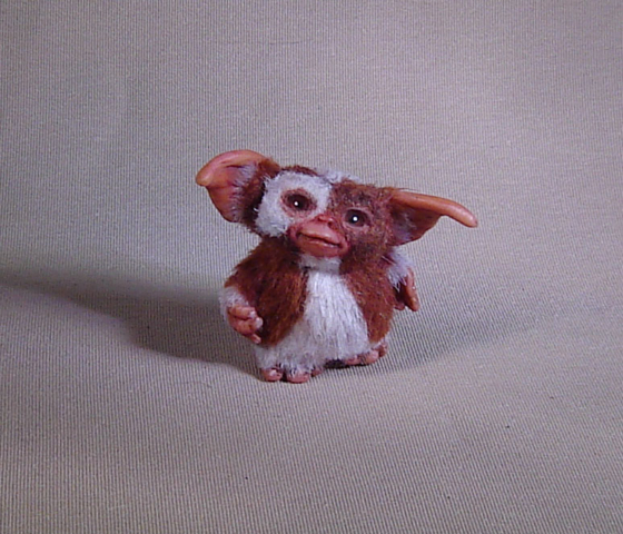 1:12 Miniature furred Gizmo Mogwai with box agzr studios