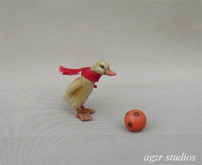 1:12 miniature duckling dollhouse