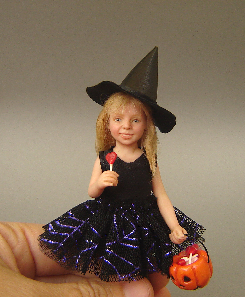 ooak 1:12 scale doll witch anastasia in polymer clay for dollhouse diorama roombox collector item