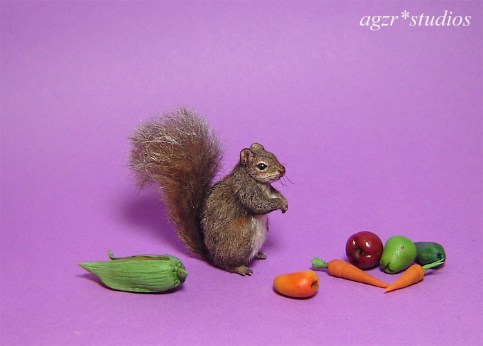 Handmade 1:12 miniature gray squirrel realistic animal pet dollhouse diorama roombox