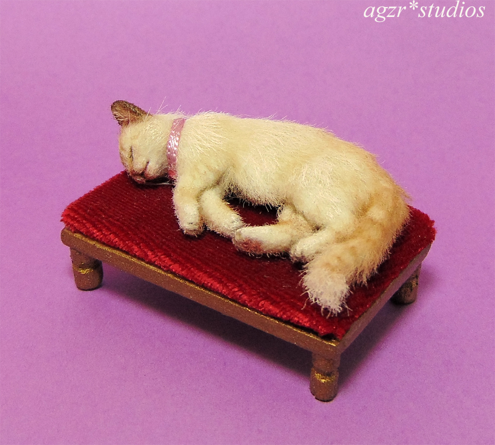 ooak 1:12 miniature furred cat kitten kitty for your dollhouse roombox diorama
