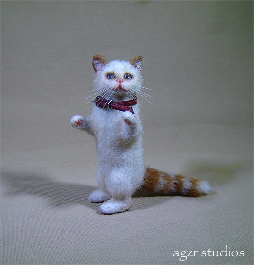 miniature 1:12 dollhouse cat