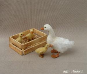 1:12 miniature momma pekin duck & ducklings dollhouse ooak