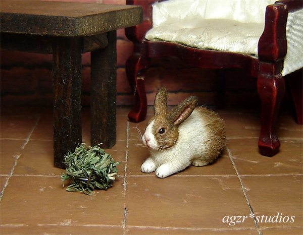 1:12 miniature dollhouse dutch white brown rabbit bunny realistic