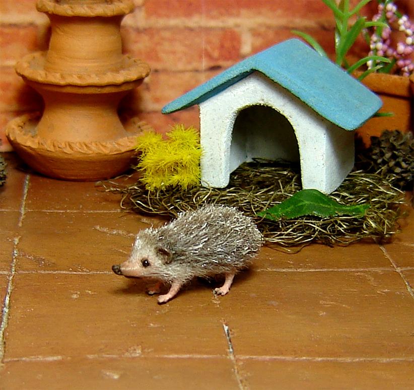 1:12 miniature hedgehog micro pet dollhouse diorama porcupine