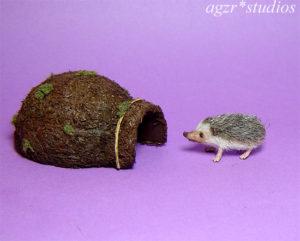 1:12 miniature hedgehog mini furred pet realistic & house