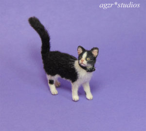 1:12 miniature furred tuxedo cat handmade realistic for dollhouse diorama roombox