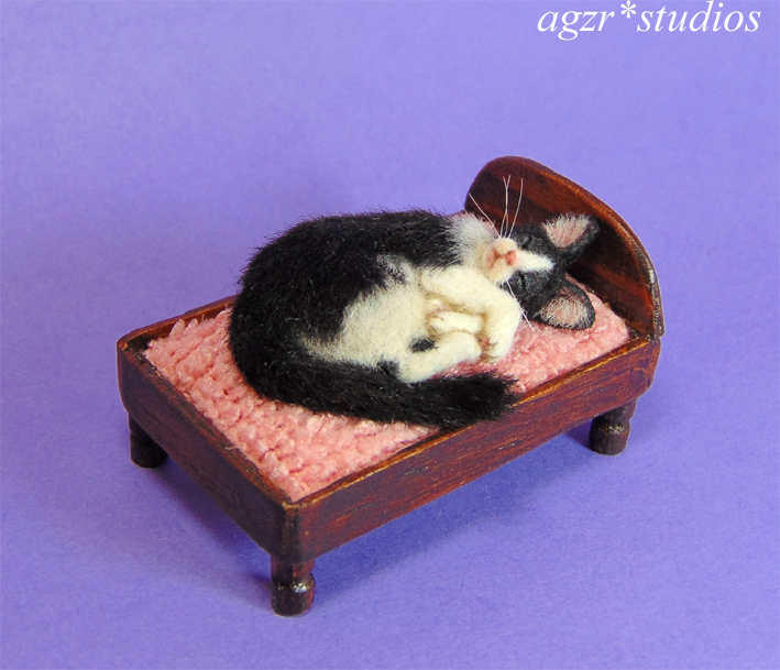Ooak 1:12 sleeping tuxedo cat & bed furred handmade realistic sculpture animal pet