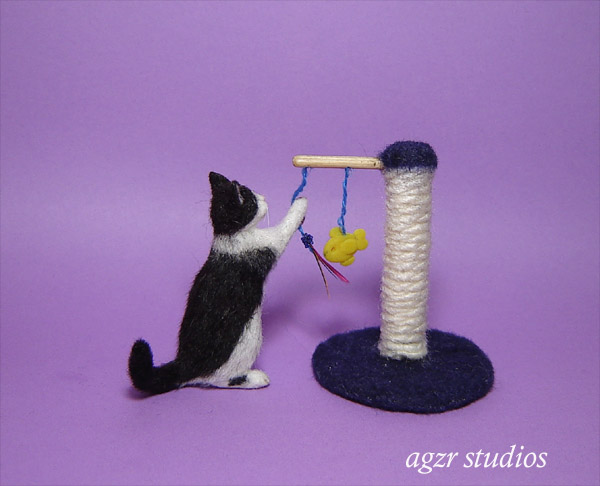1:12 handmade miniature 1:12 dollhouse cat kitten & toy