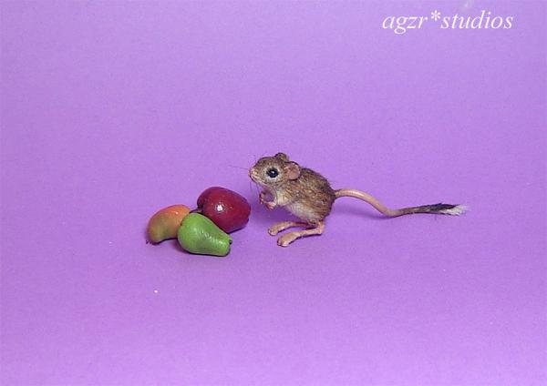 1:12 miniature jaculus kangaroo mouse rat furred handmade dollhouse scale