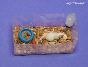 1:12 white mouse with tank dollhouse furred handmade