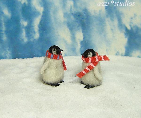 1:12 dollhouse miniature emperor penguins chicks babies couple