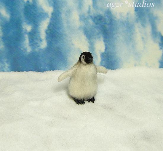 1:12 dollhouse miniature emperor penguin chick