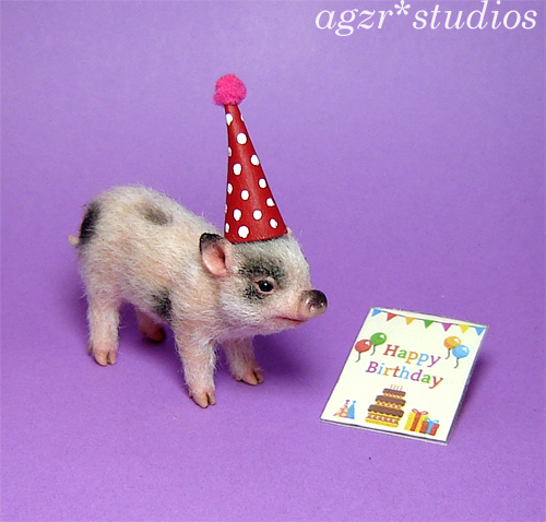 1:12 dollhouse miniature piglet pig with party hat lifelike realistic animal