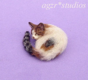 1:12 miniature sleeping furred calico cat for dollhouse realistic handmade