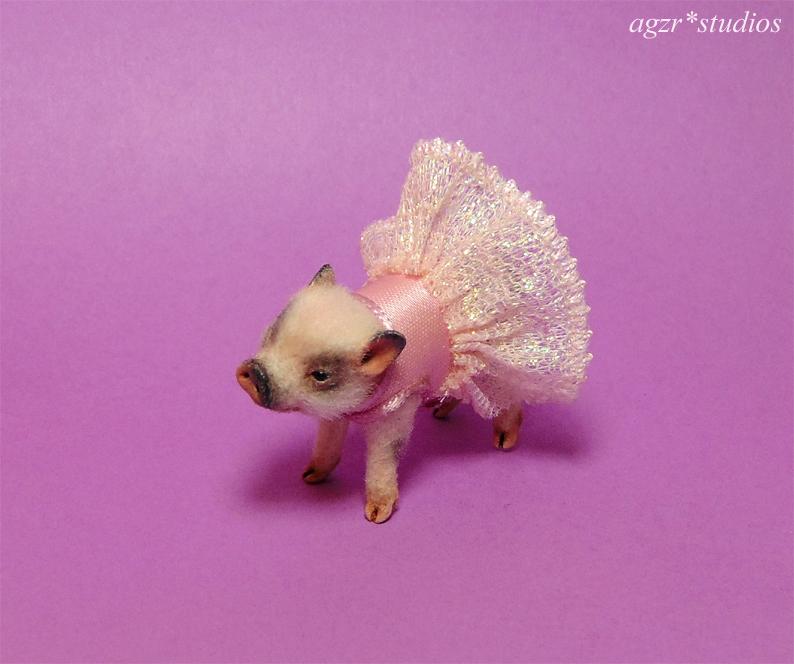 1:12 micro pig piglet dressed little princess lifelike animal
