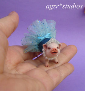 1:12 micro pig piglet dressed little princess & tiara ballerina