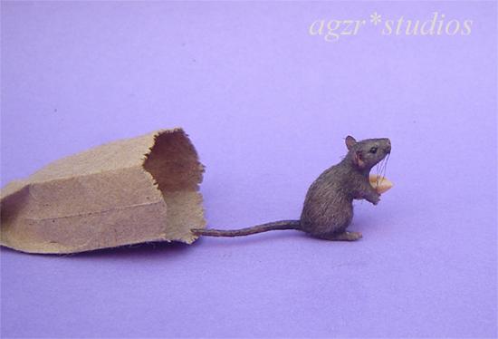 1:12 furred miniature grey rat mouse