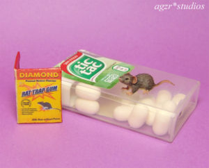 dollhouse miniature 1:12 scale gray rat mouse with trap
