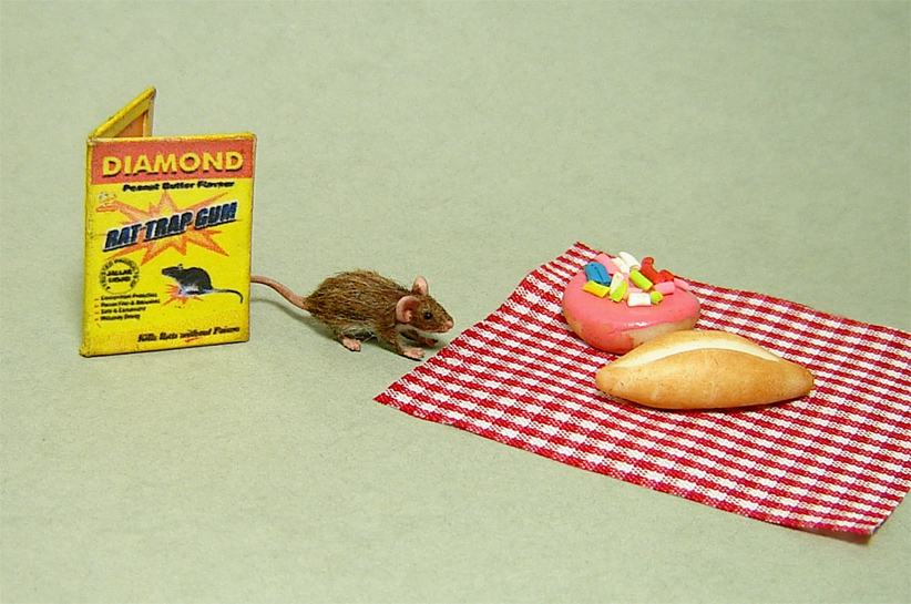 1:12 furred miniature brown rat mouse with trap handmade dollhouse