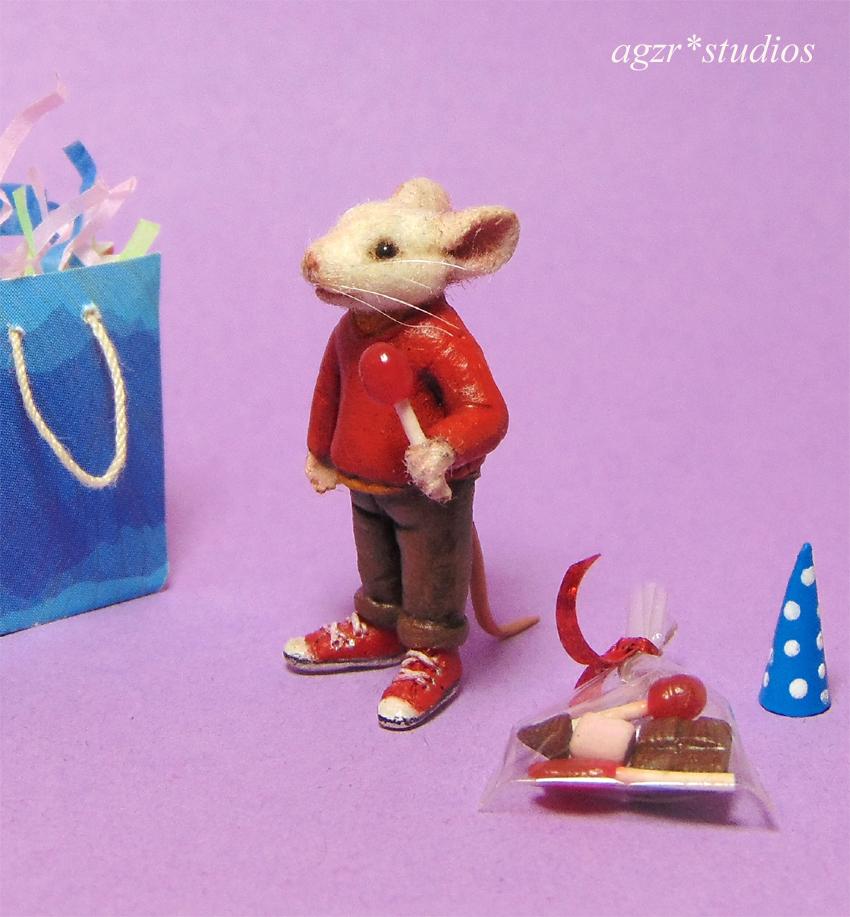 Ooak 1:12 miniature Stuart Little mouse dollhouse size furred realistic