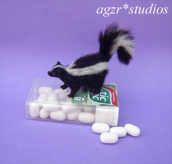 1:12 realistic skunk furred handmade stinky pet