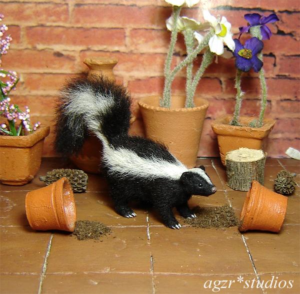1:12 realistic skunk furred handmade handsculpted art