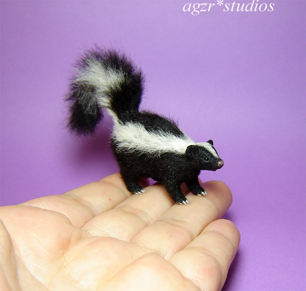 1:12 realistic skunk furred handmade dollhouse pet